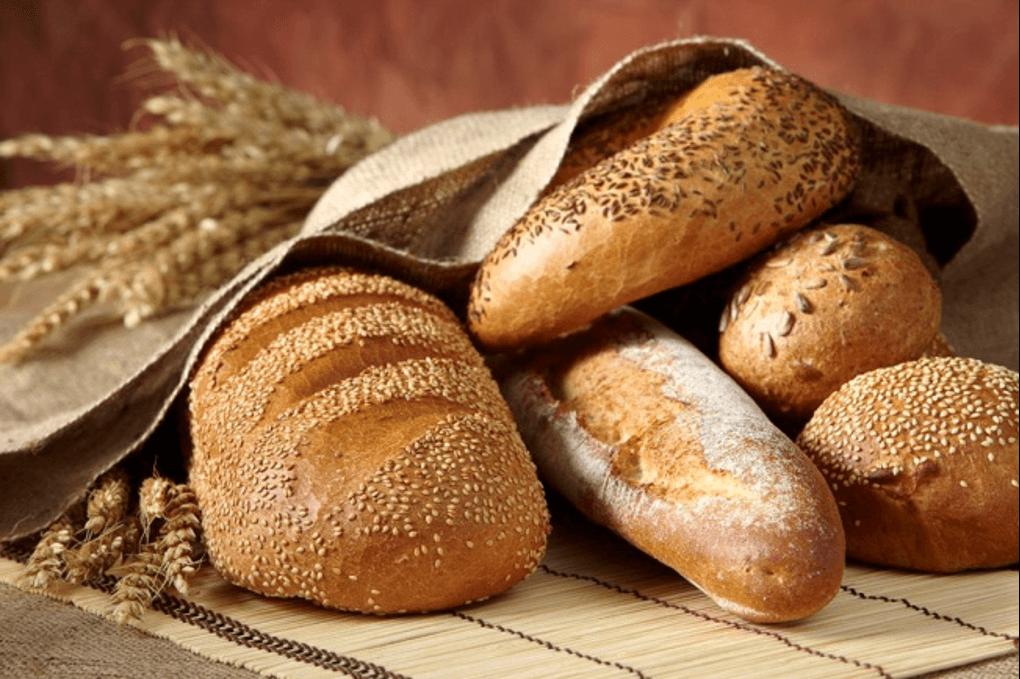 Bánh mì là một trong những thức ăn chứa nhiều tinh bột